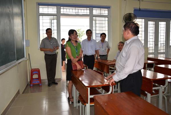 Kiểm tra tại điểm thi số 1 - Trường THPT chuyên Nguyễn Tất Thành