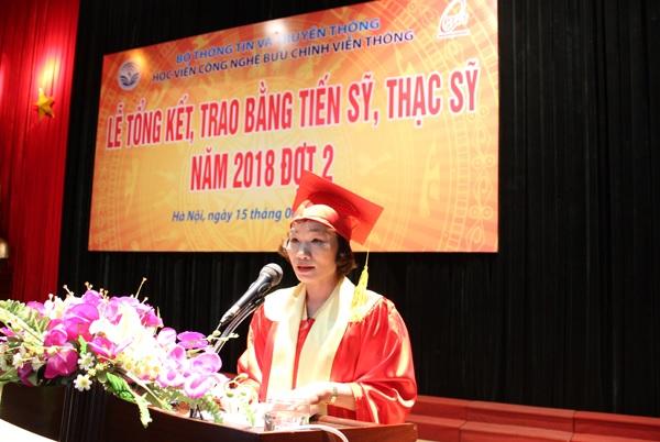 Trao-bang-tot-nghiep-CH-NCS-2018-dot-2-3
