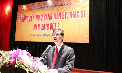 Trao-bang-tot-nghiep-CH-NCS-2018-dot-2